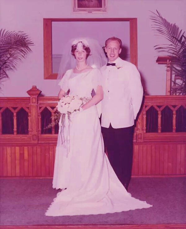 Image of Diane Pol and Jan Pol on their wedding day.